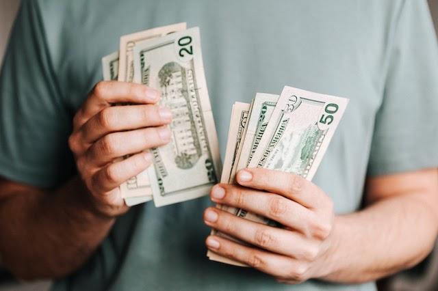 Đong đo và suy tính cẩn thận về số tiền mà mình cần phải bỏ ra sao cho vẫn được ăn lời