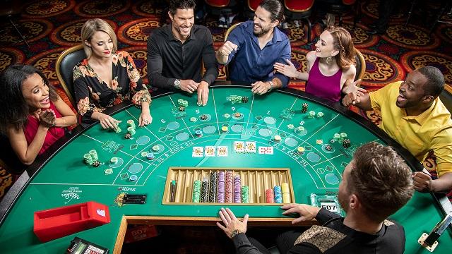Người chơi Casino nên chuẩn bị nhiều chiến thuật đánh bài khác nhau để có thể tư duy nhanh chóng trong mỗi ván cược